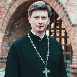Протоиерей Кирилл Сладков: Церковное молодежное служение должно бытьпассионарным