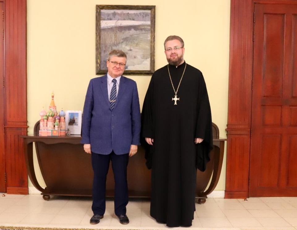 Представитель Таиландской епархии встретился с послом России в Камбодже